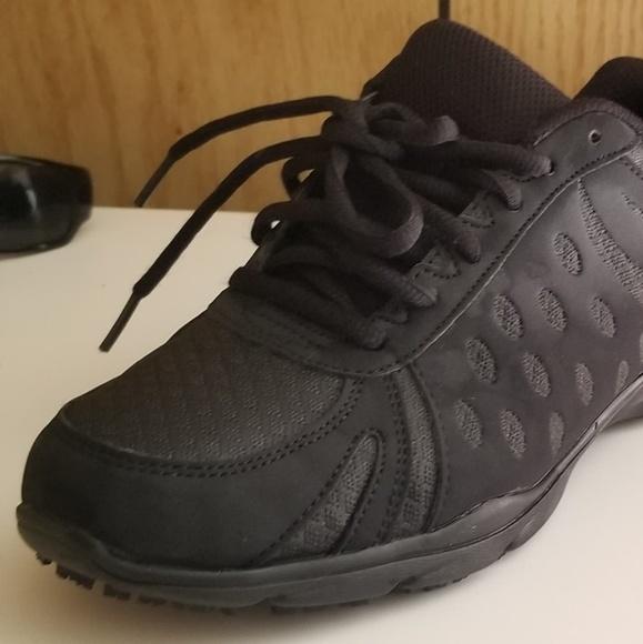 dc3b74df4c0f27 safeTstep Shoes